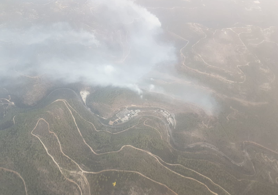 An aerial view of fires in the Jerusalem HIlls (Photo: KKL-JNF)