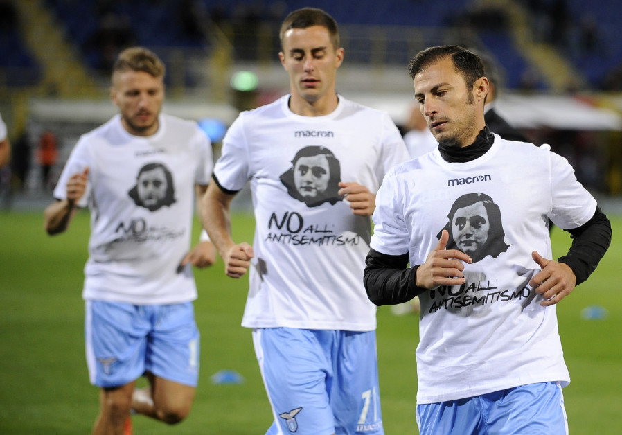 SS Lazio players sport t-shirts with Anne Frank's face on them in an effort to stamp out antisemitis