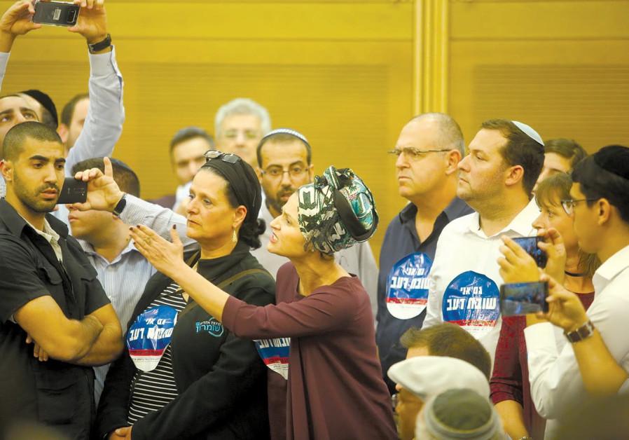 Netanyahu promises hunger-striking settlers new, safer roads