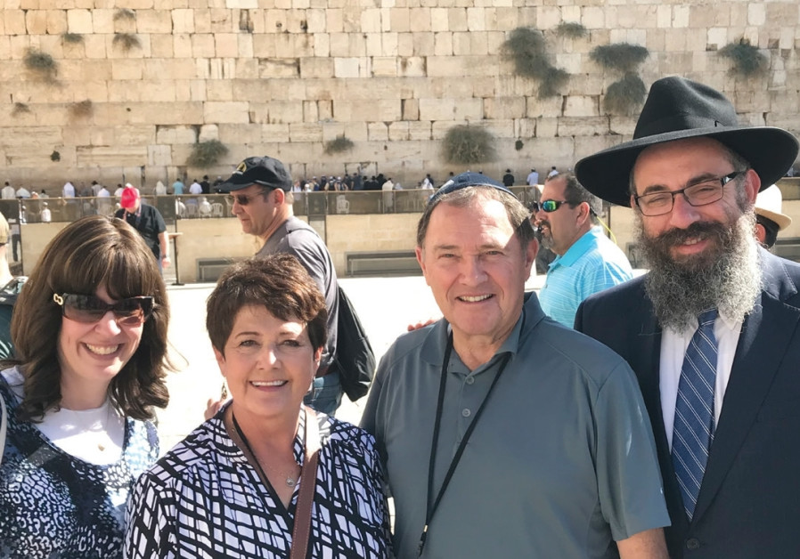 Rabbi Benny Zippel, his wife Sharonne, Utah Governer Gary Herbert and Jeannette Herbert