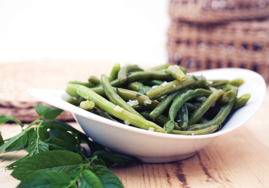 Green beans with mint and garlic