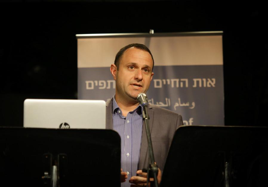 Radio broadcaster wins award for boosting Jewish-Arab coexistence