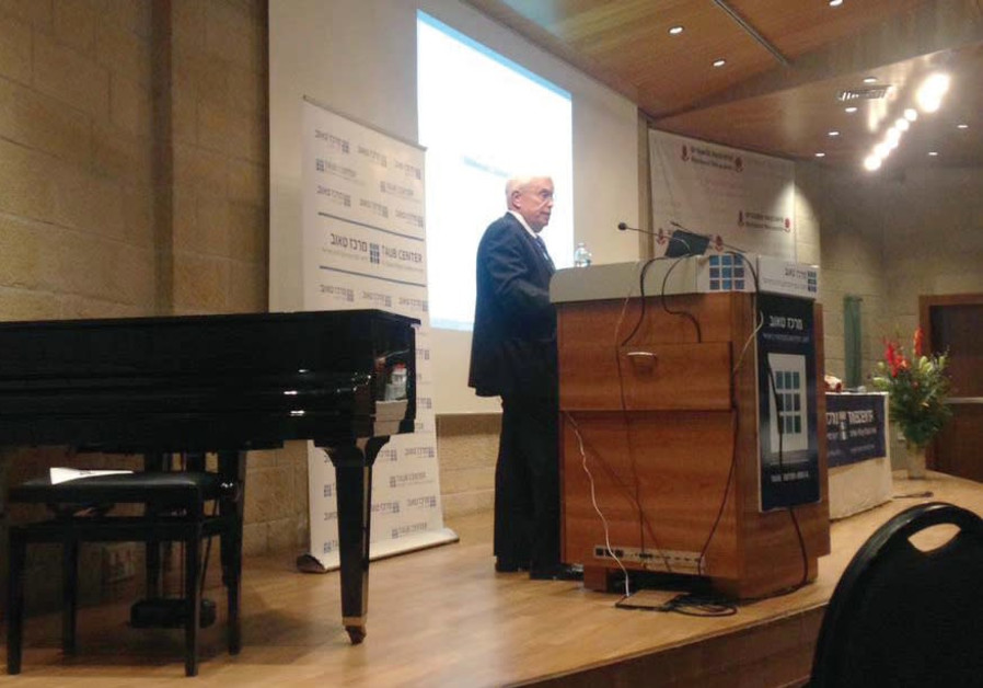 PROF. JAMES HECKMAN of the University of Chicago speaks at the Taub Center conference in Jerusalem y
