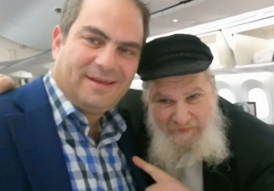 Man's life saved on El Al flight by United Hatzlah president Eli Beer