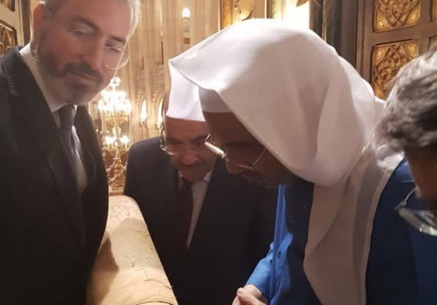 In possible nod to Israel, two top Saudi officials visit Paris synagogue