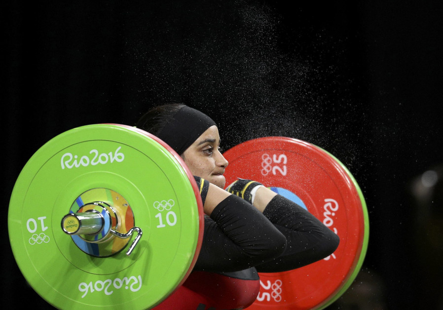 Iran allows women weightlifters to compete internationally