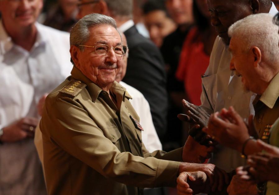 Castro meets North Korean minister amid hope Cuba can defuse tensions