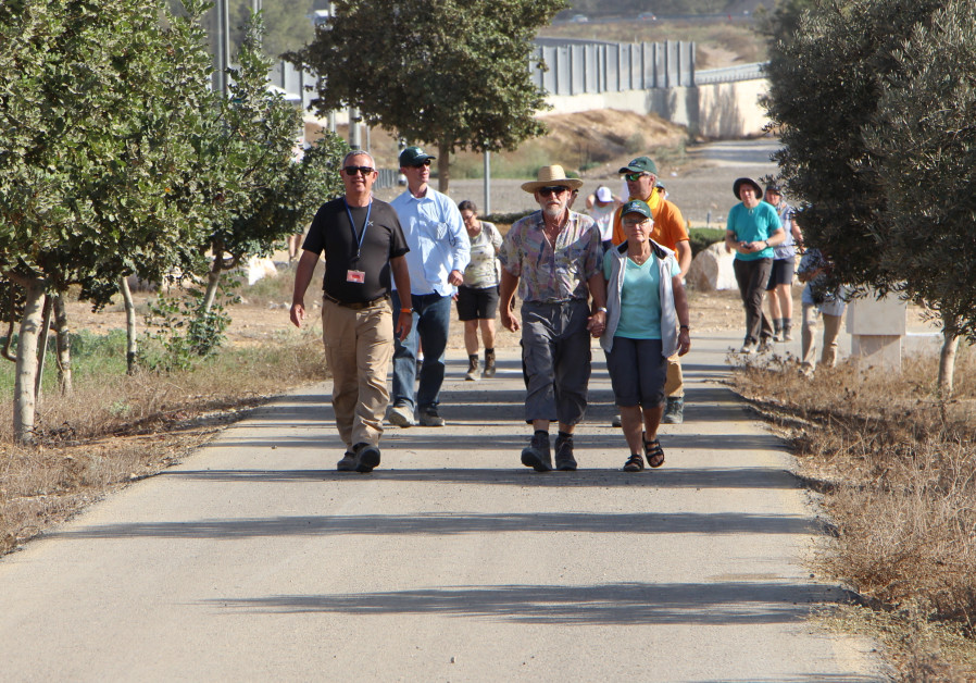 JNF KKL Germany Mission walks in the German States Forest in the Negev
