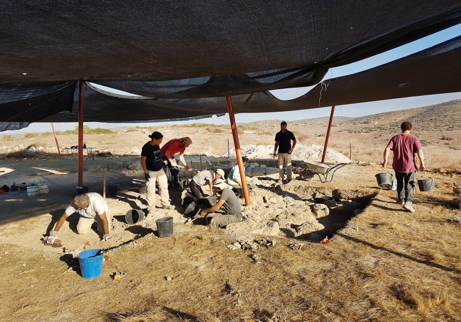 Archeologists unearth rare Hellenistic-era mystery structure in Negev