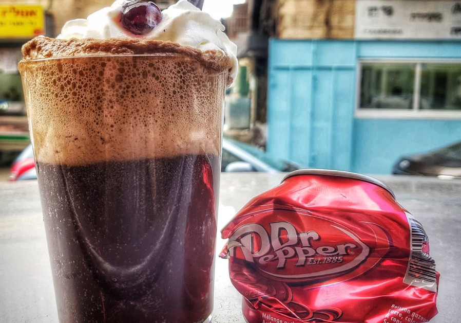 A glass of Dr. Pepper.