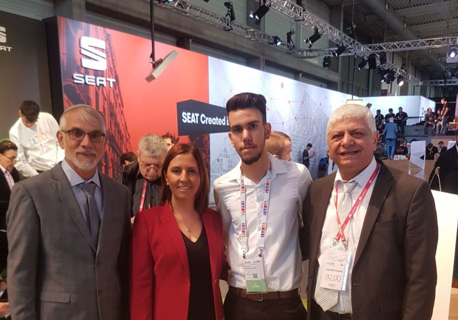 16-year-old entrepreneur Eli Ohayon displayed his fitness start-up at an exposition in Barcelona las