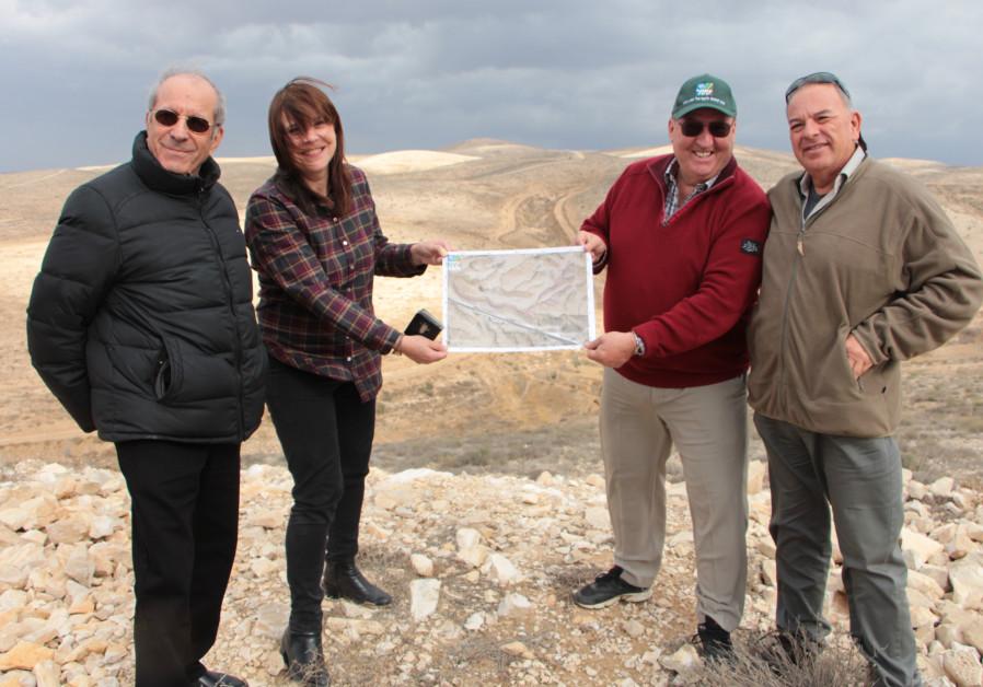 L-R: Yishai Haramati, Judith Perl-Strasser, Armand Rudolf von Rohr, and Elisha Mizrahi in the Negev