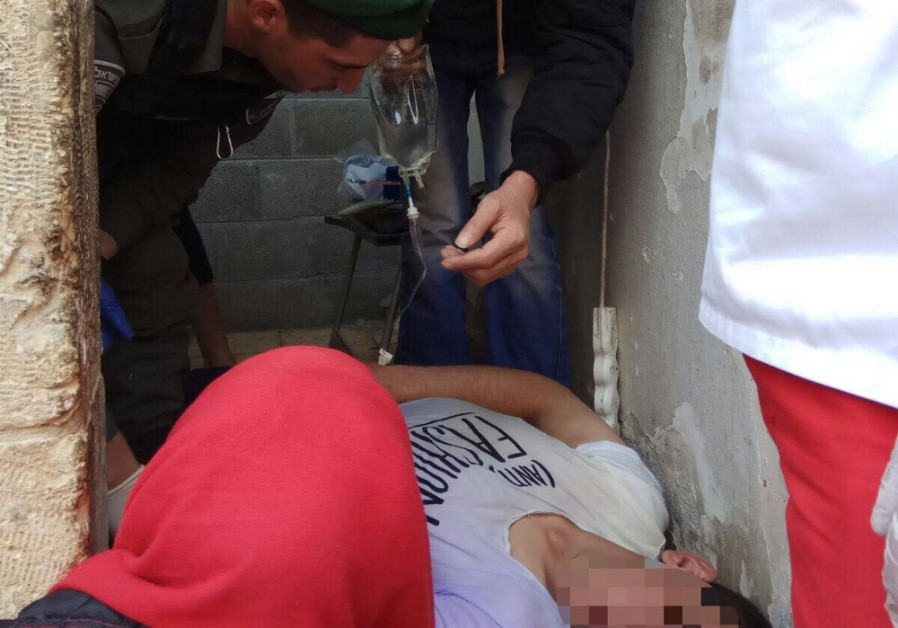 Israel Border Police rescue Palestinian man near Cave of the Patriarchs
