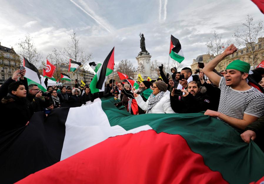 Pro-Palestinian activists march in Paris ahead of Netanyahu visit