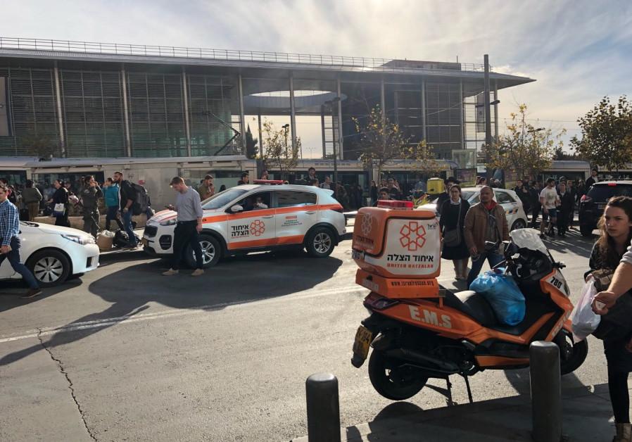 Stabbed J'lem bus guard's condition remains critical