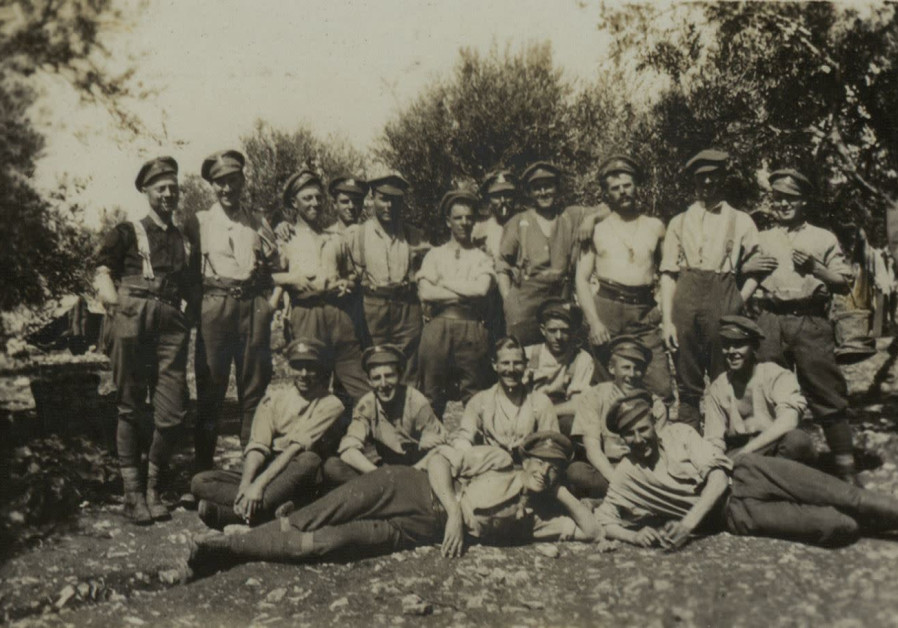 Personal photos capture Holy Land stories of British World War I soldiers