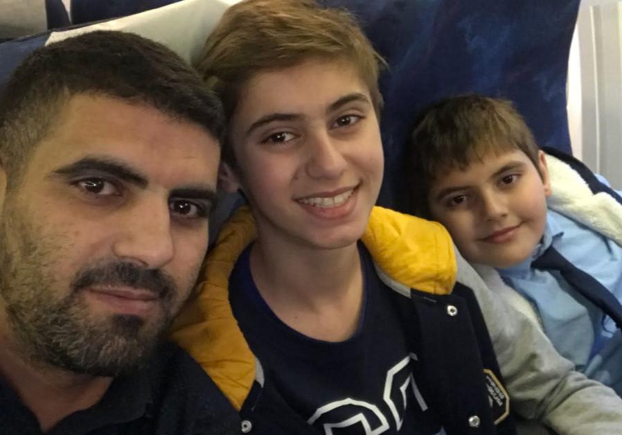 Two Bedouin-Romanian minors held in Israeli airport
