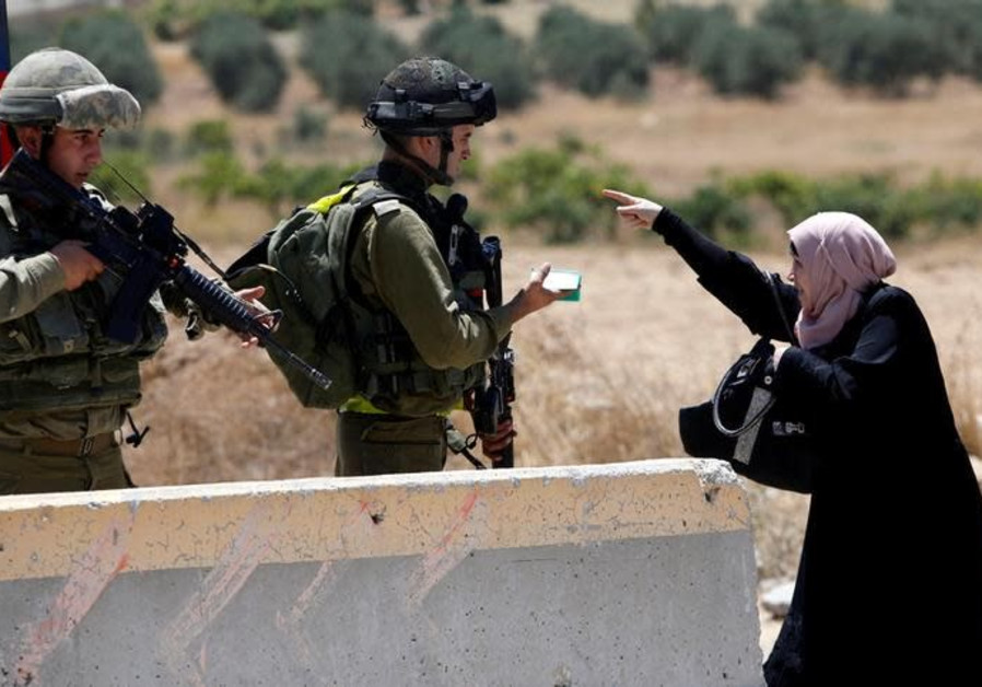 Palestinian girl who faced Israeli soldiers remanded for four days