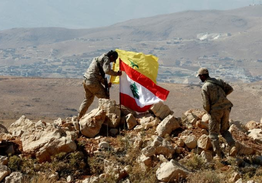Hezbollah relocates part of its forces to the Lebanon-Syria border