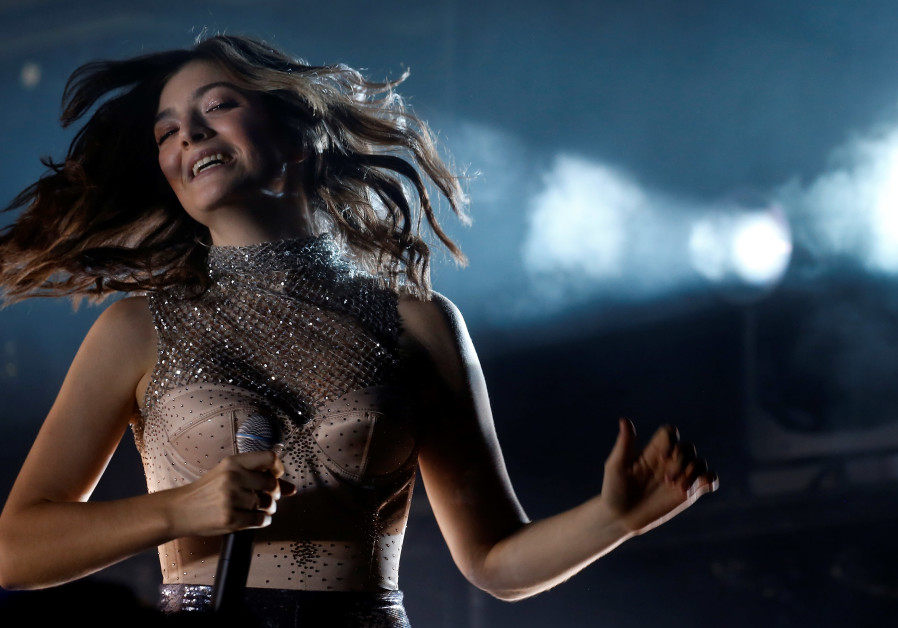 100 artists sign letter in support of Lorde's Israel boycott