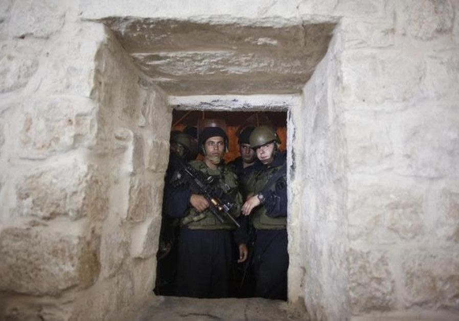 Israeli security forces find cell phone bomb in Joseph's Tomb