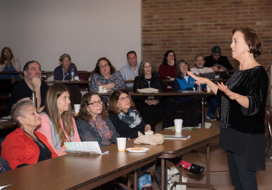 Former Yesh Atid MK Ruth Calderon lectures at Seattle's first Limmud event