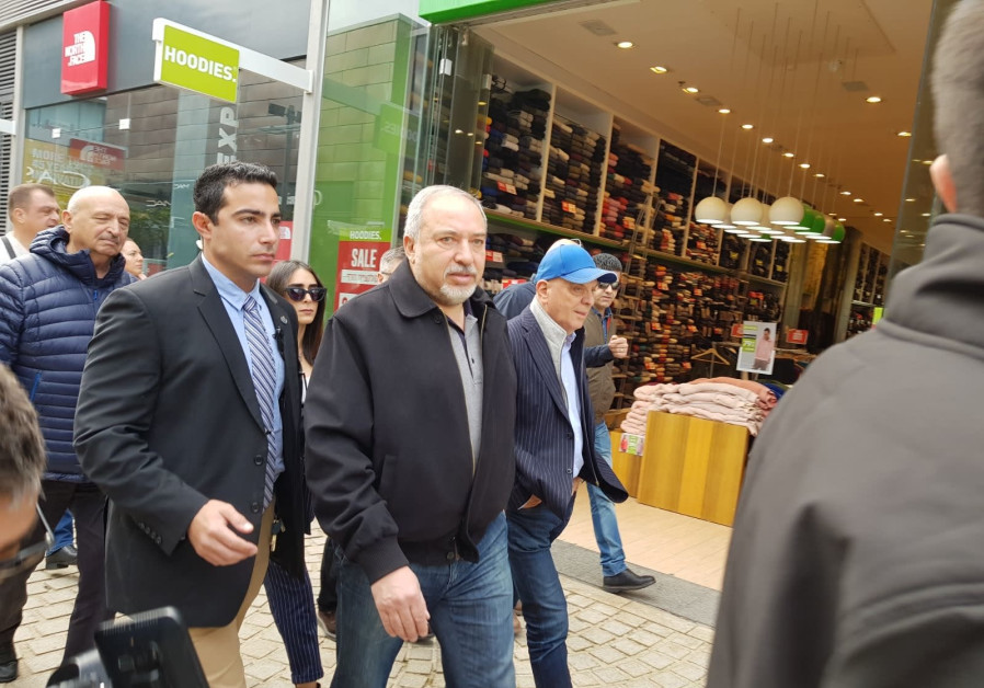 Visiting Ashdod, Minister Liberman speaks out against religious coercion