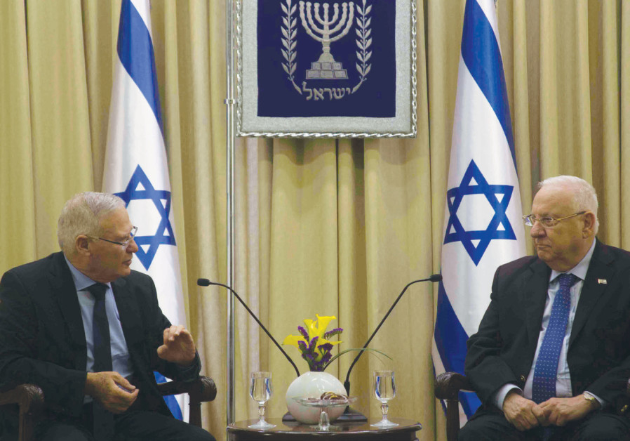 Amos Yadlin discusses the latest INSS Strategy Assessment with President Reuven Rivlin on January 1