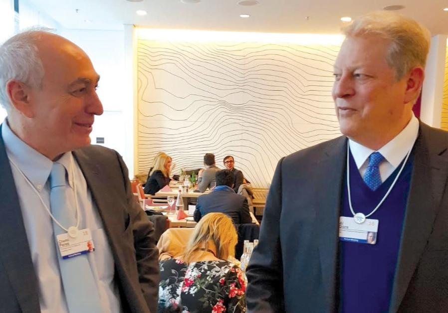 Chemi Peres and Al Gore