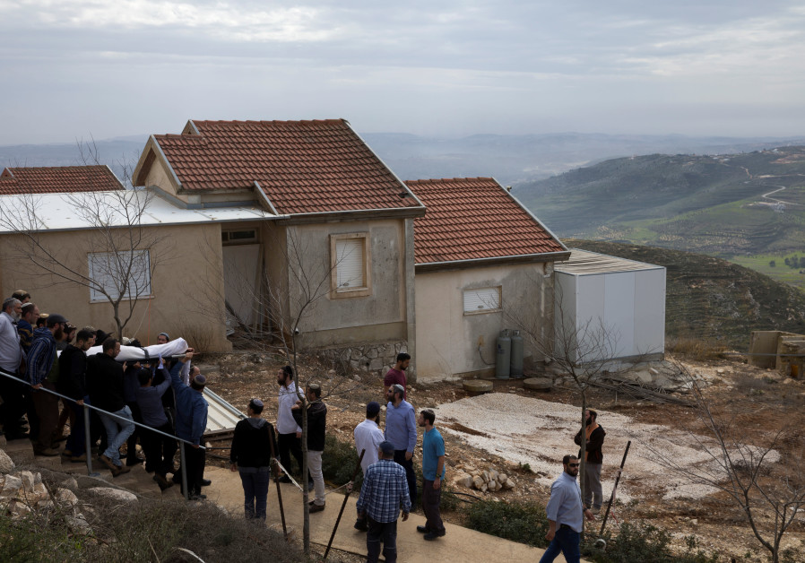 Slain rabbi's family calls to turn Har Bracha settlement into city