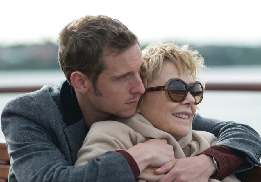 A scene from the movie Film Stars Don't Die in Liverpool