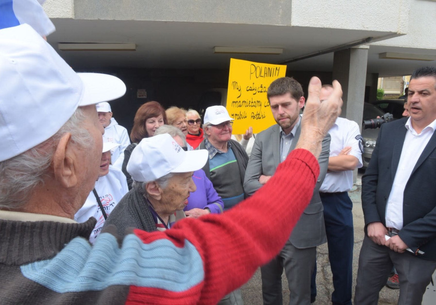 Holocaust survivors break into Polish embassy in Tel Aviv