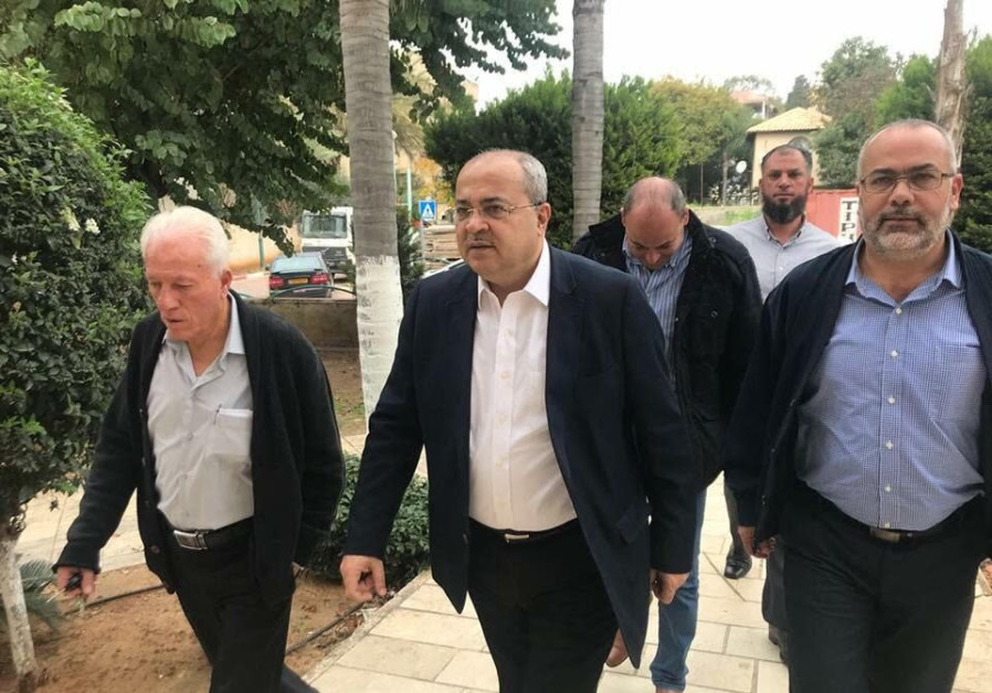 Arab MKs angry at bill that could break up Joint List