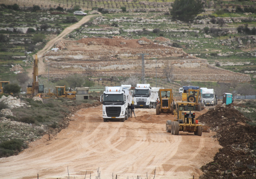 Demolition of Netiv Ha'avot outpost homes delayed by 3 months