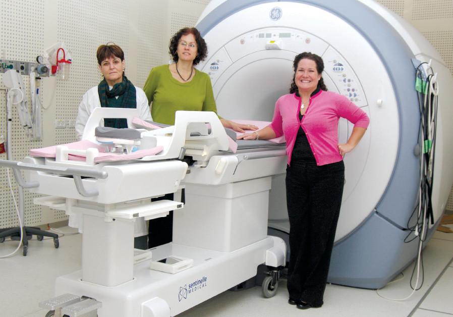 DR. MIRIAM SKLAR (center), head of breast imaging at the Meirav Breast Center and Rachel Moskovitch