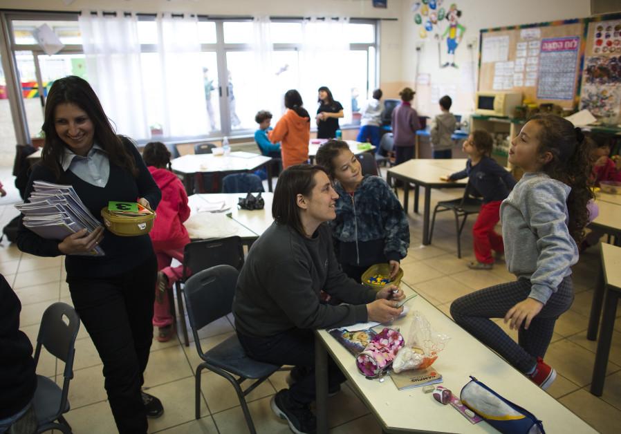 Arab-Israeli women minimize education gaps, lag behind in employment