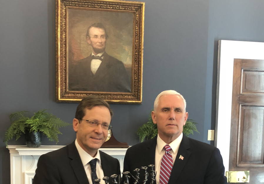 US Vice President Mike Pence and Opposition Leader Isaac Herzog meet in Washington, March 2018
