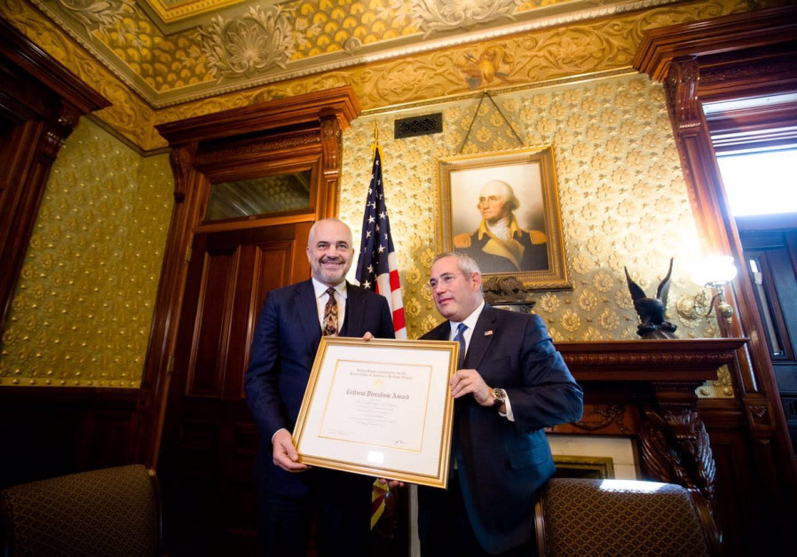 Prime Minister Edi Rama receives award at the White House during his visit to the US