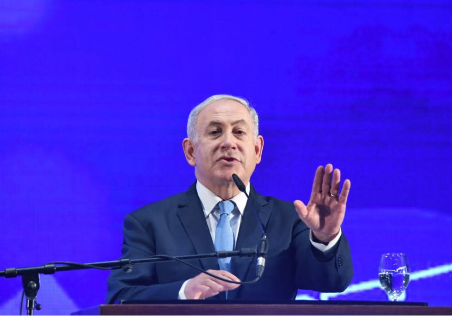 Netanyahu feeds media bitter herbs at Likud Passover event