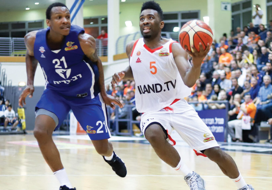 Langford leads Rishon to victory in debut