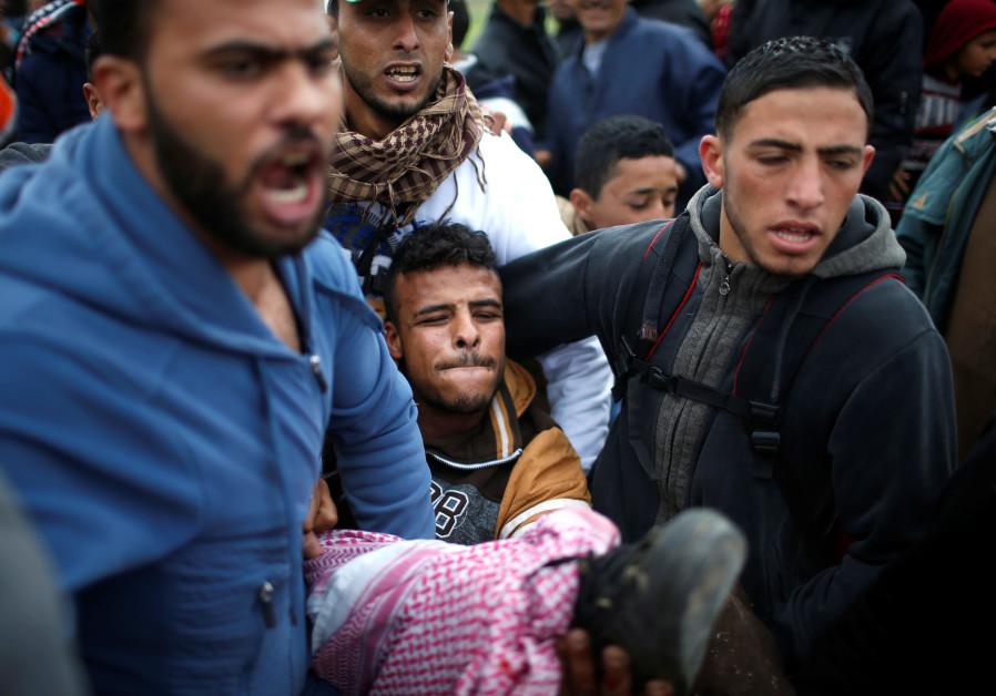 Crowds diminish but tensions remain at Gaza border
