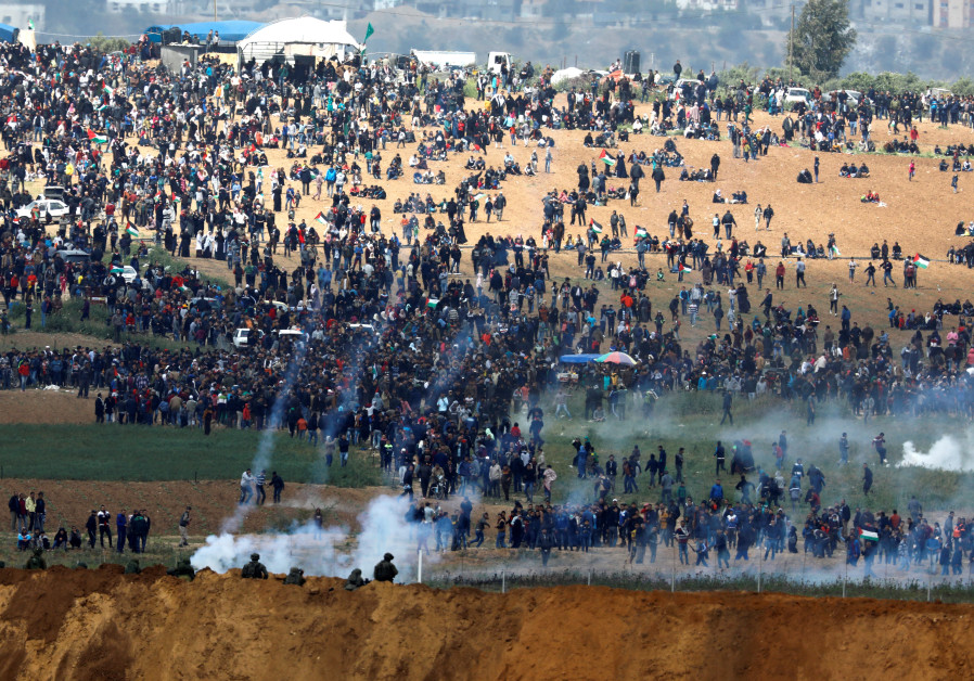 Zoa Head: 'Arab Nazi-Like' Hamas Responsible for Violence on Gaza Border