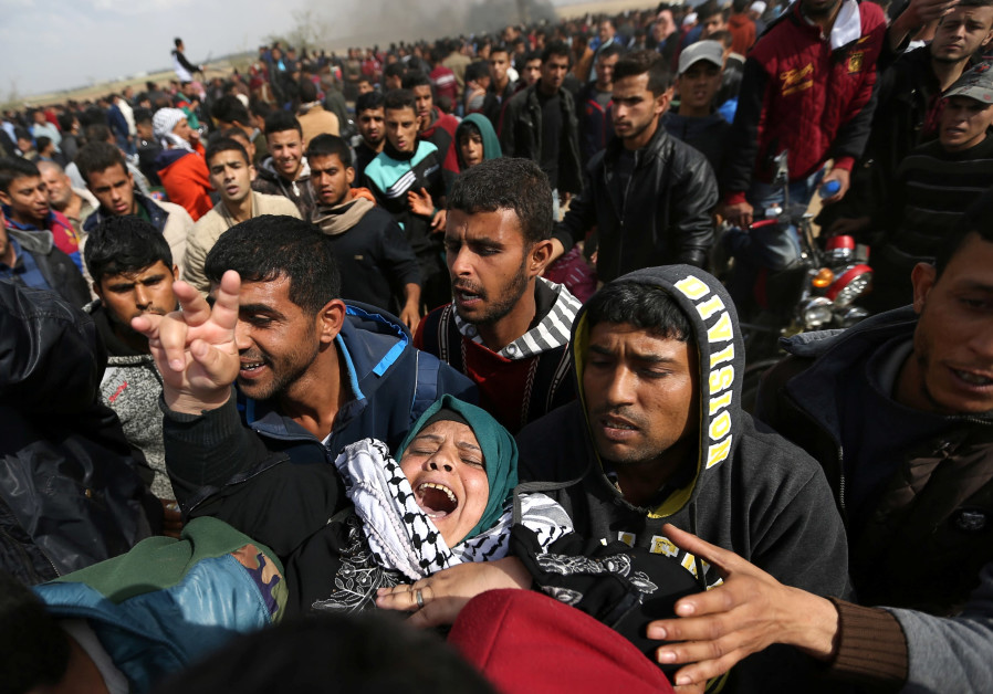 17 dead, over a thousand injured after Palestinians clash with IDF on Gaza border