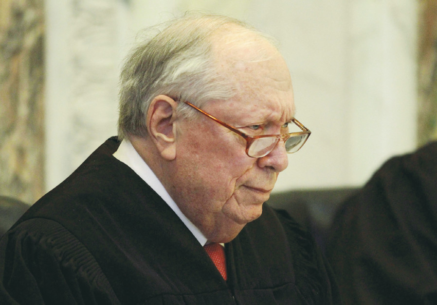 JUDGE STEPHEN REINHARDT listens to arguments during a hearing in San Francisco in 2010