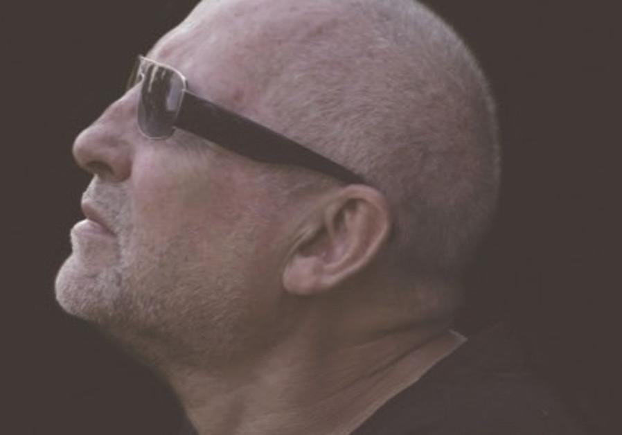 Musician Irak Viascik