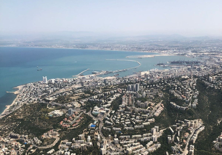 An aerial shot of Haifa during Israel's annual Independence Day airshow, April 19, 2018