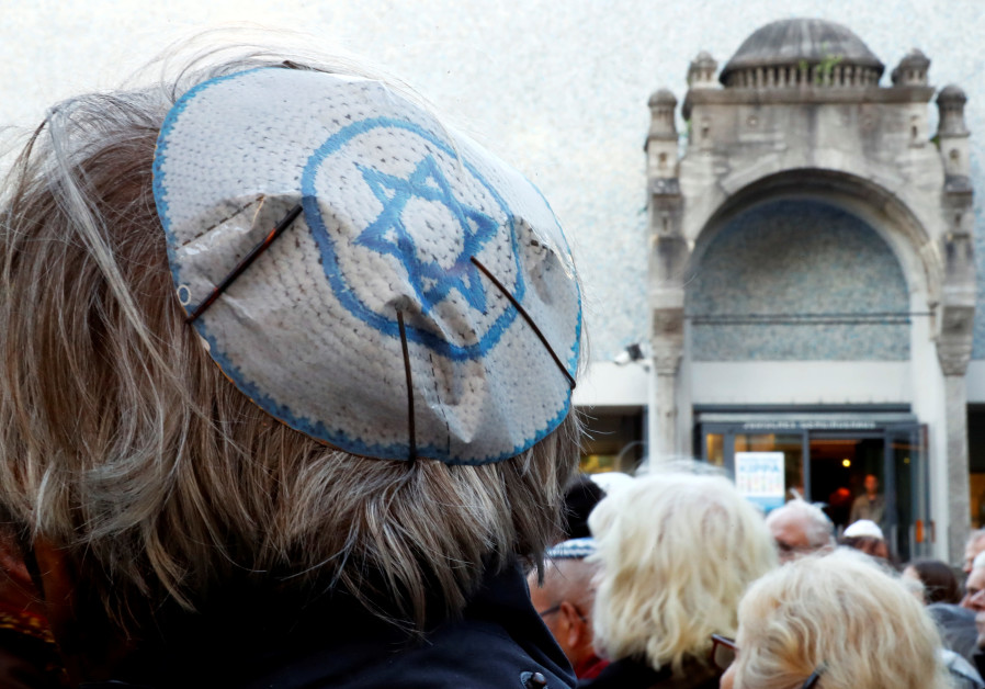 """No Jew in Germany"": German police assault Israeli professor"