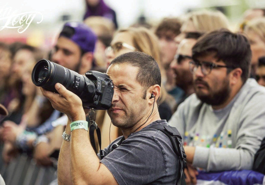 Photographer Lior Keter in the moment