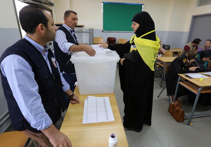Hezbollah allies gain in Lebanon vote, underscoring Iran sway