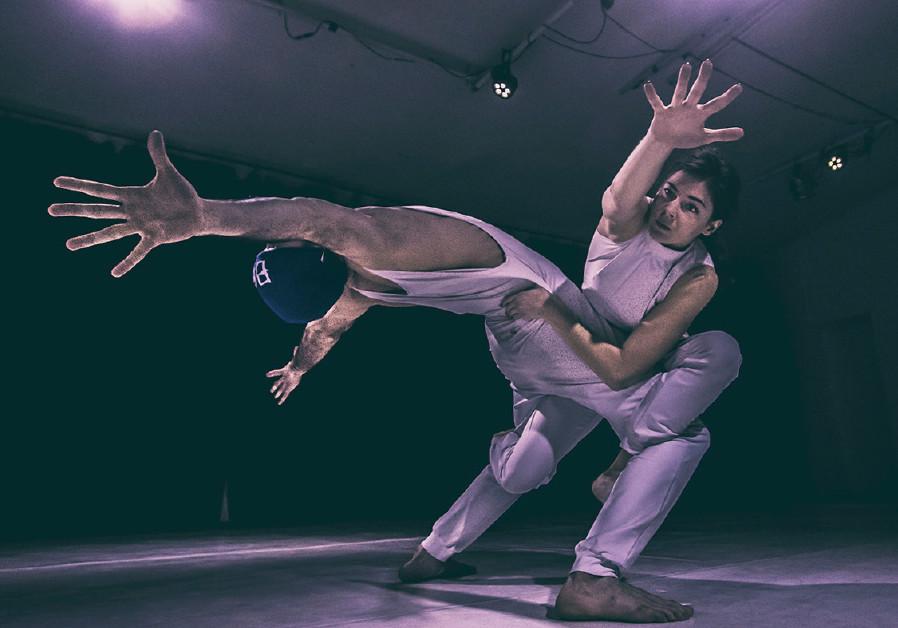 Derida Dance Company performs 'F63.9'